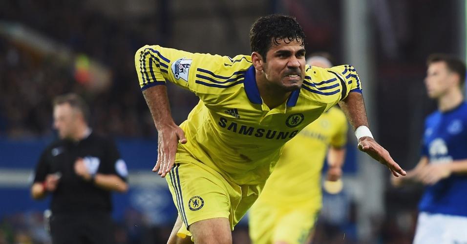 Diego Costa comemora um de seus dois gols na vitória do Chelsea sobre o Everton
