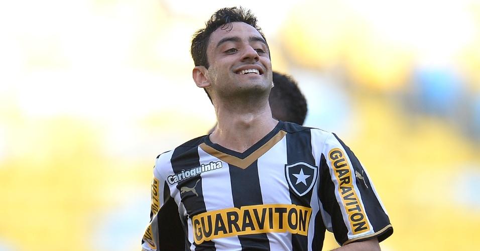Daniel sorri durante comemoração do gol do Botafogo em duelo contra o Santos, pelo Campeonato Brasileiro
