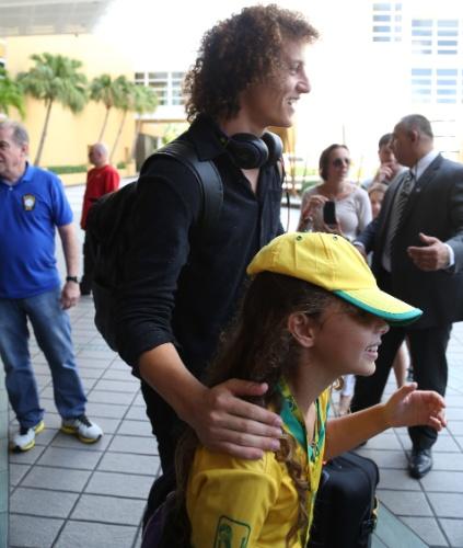 01. set. 2014 - David Luiz chega a hotel da seleção brasileira, em Miami