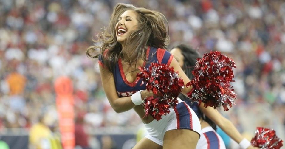 Cheerleaders do Houston Texans faz apresentação durante a pré-temporada
