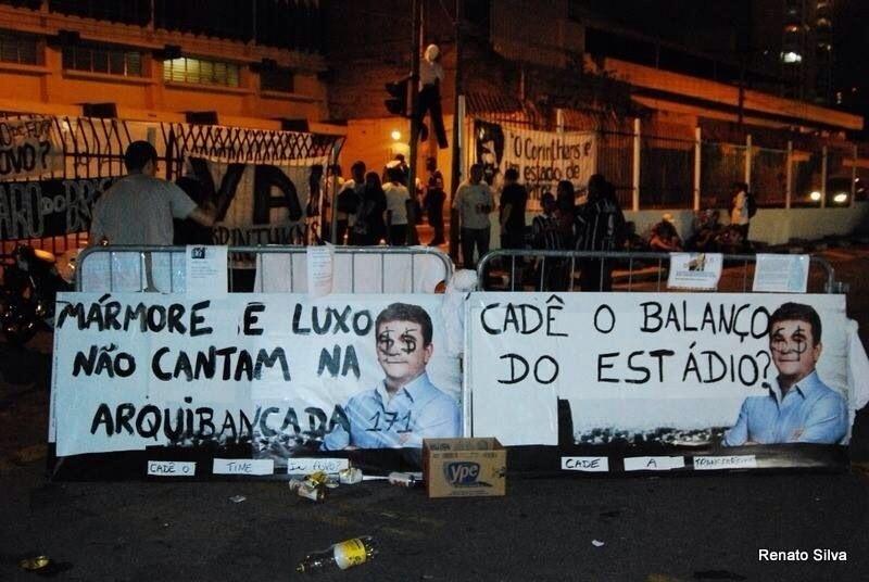Torcida acusa Andrés de comandar a política de ingressos caros no Itaquerão