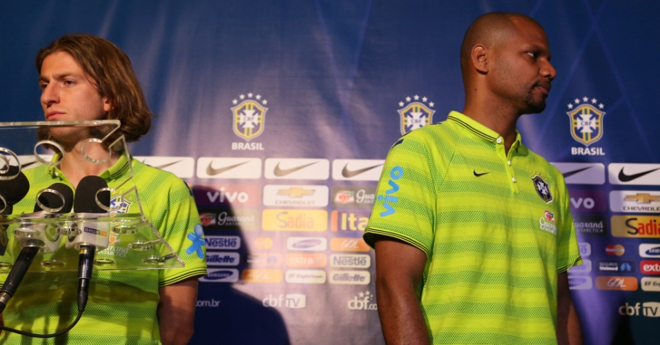 03. set. 2014 - Filipe Luis e goleiro Jefferson participam de coletiva de imprensa nesta quarta-feira (3), em Miami, onde seleção brasileira enfrenta a Colômbia na sexta (5)