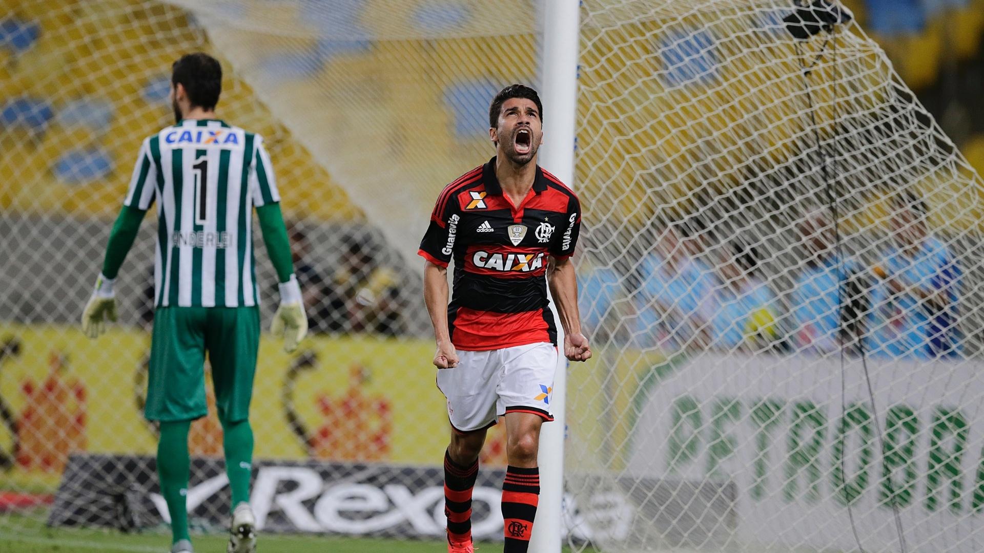Eduardo da Silva comemora gol do Flamengo contra o Coritiba pela Copa do Brasil