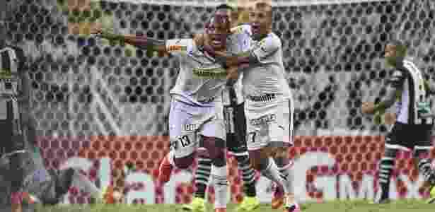 2e10c1f801 Botafogo marca dois gols no fim