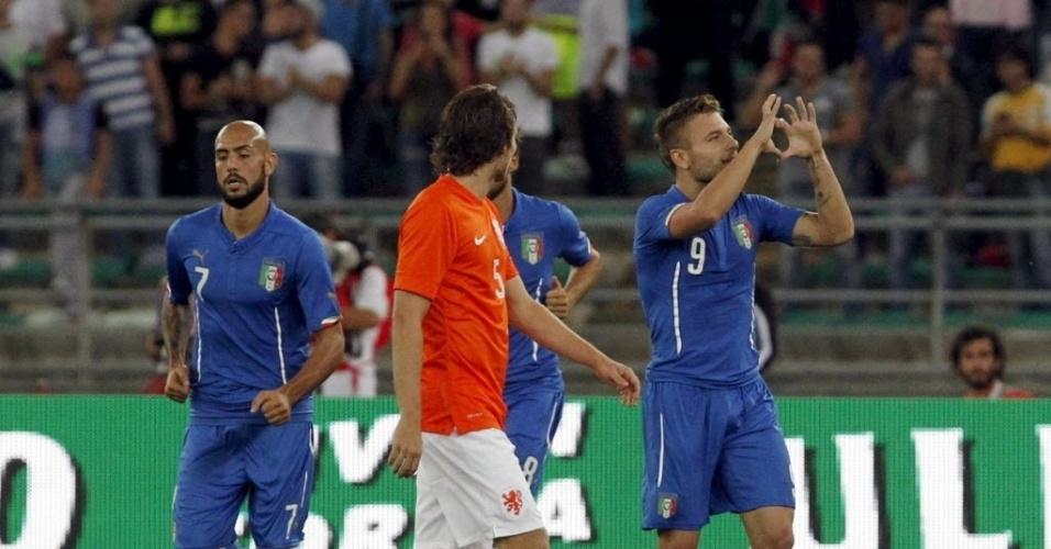 Immobile comemora seu gol pela Itália em amistoso