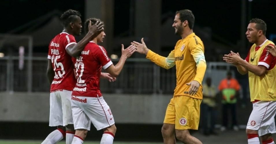 Jogadores do Inter comemoram gol contra o Bahia pela Sul-Americana