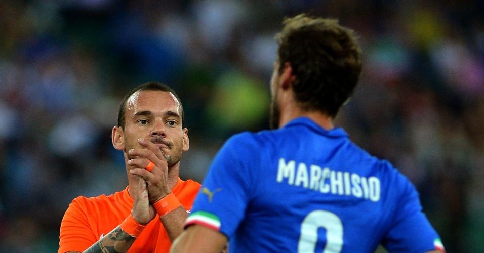 Sneijder lamenta após ver a Holanda perder para a Itália