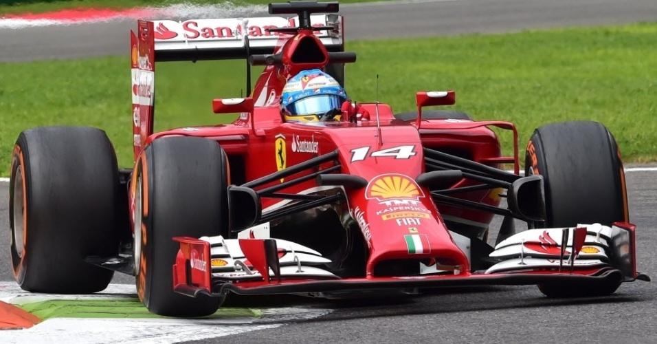 Ferrari teve boa performance nos treinos desta sexta, na Itália. Alonso (foto) e Raikkonen não venceram neste ano