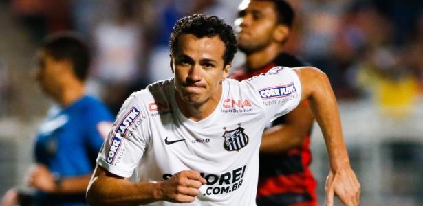 Atacante enfrenta batalha jurídica com o Santos, dificultando acerto com Vasco