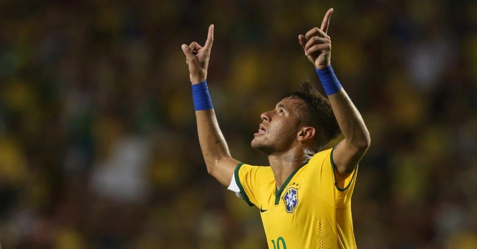Neymar comemora gol contra a Colômbia