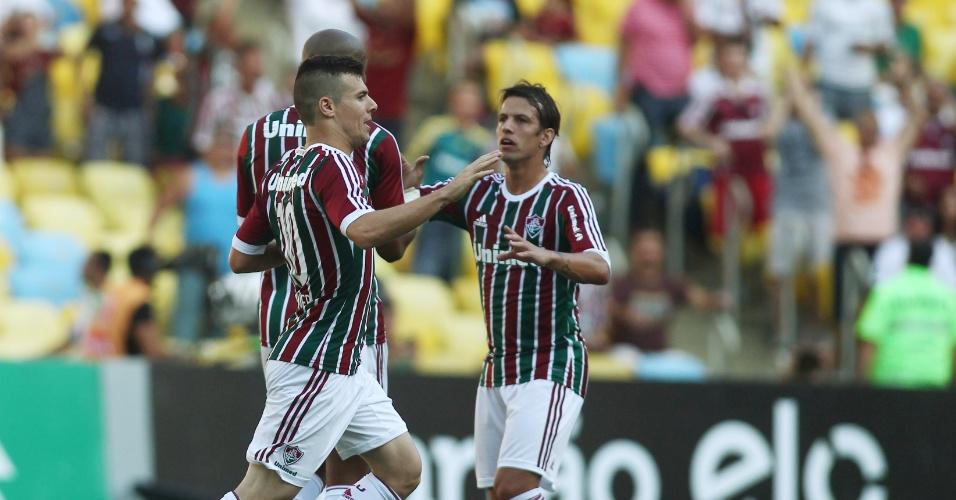 Jogadores do Fluminense comemoram gol contra o Cruzeiro pelo Brasileirão