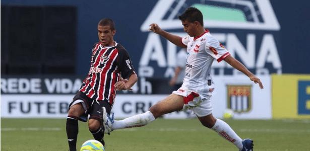Auro fez um dos gols do São Paulo