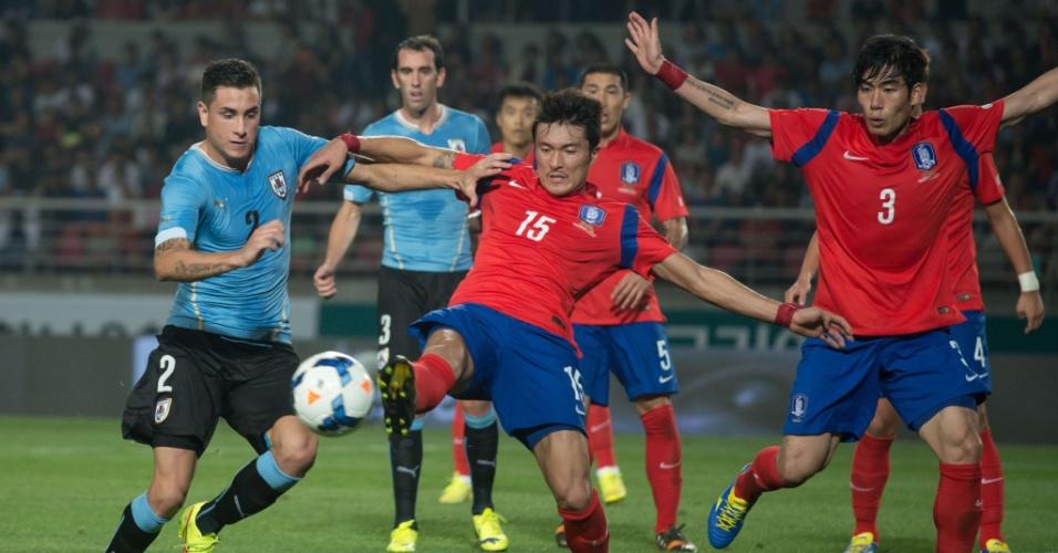 Uruguai e Coréia do Sul se enfrentam em amistoso