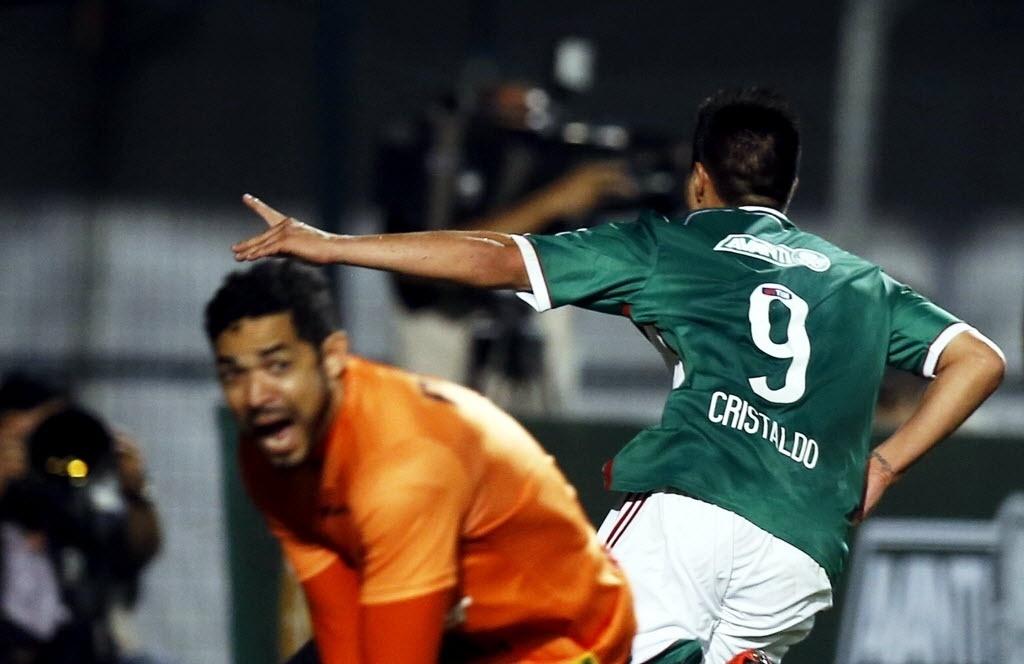 Cristaldo comemora seu primeiro gol com a camisa do Palmeiras contra o Criciúma