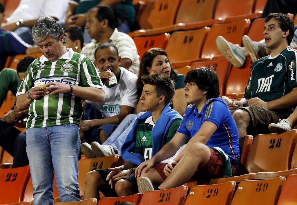 Torcedores do Palmeiras marcam presença contra o Criciúma pelo Brasileirão