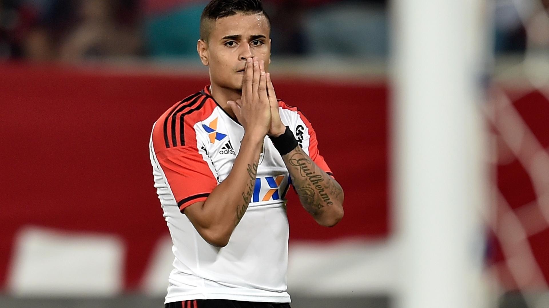 Everton lamenta chance desperdiçada pelo Flamengo contra o Goiás