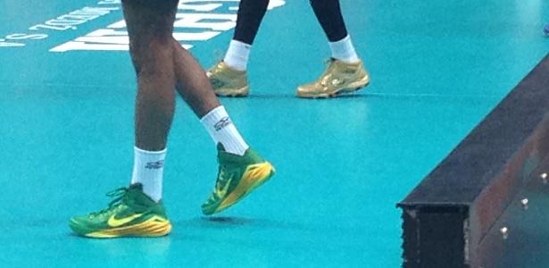 Craque do Brasil no Mundial de vôlei usa tênis de basquete para jogar dbdb3b4d45aa4