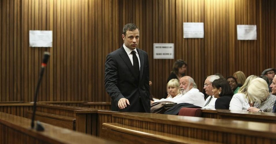 12.set.2014 - Oscar Pistorius chega ao tribunal em Pretória para acompanhar o veredicto sobre a morte de sua namorada Reeva Steenkamp