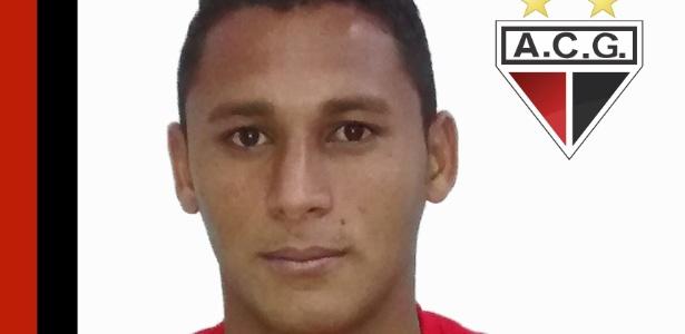 Pedro Bambu, volante do Atlético-GO, está próximo de acerto com o Vasco - Divulgação/Site oficial do Atlético-GO