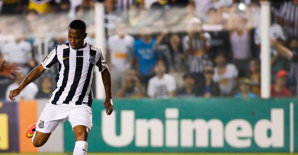 Robinho marcou um golaço na Vila Belmiro ao encobrir o goleiro
