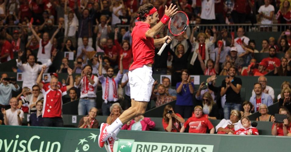 Federer pula e festeja a classificação da Suíça à final da Copa Davis