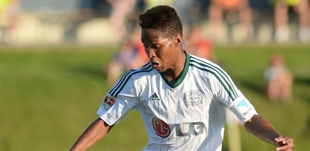 Wendell, do Bayer Leverkusen, em ação pelo clube alemão; ateral interessa ao Real