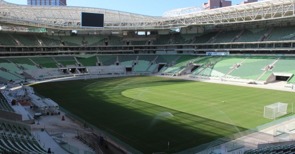 Campo do Palmeiras está pronto e estádio está próximo de estreia