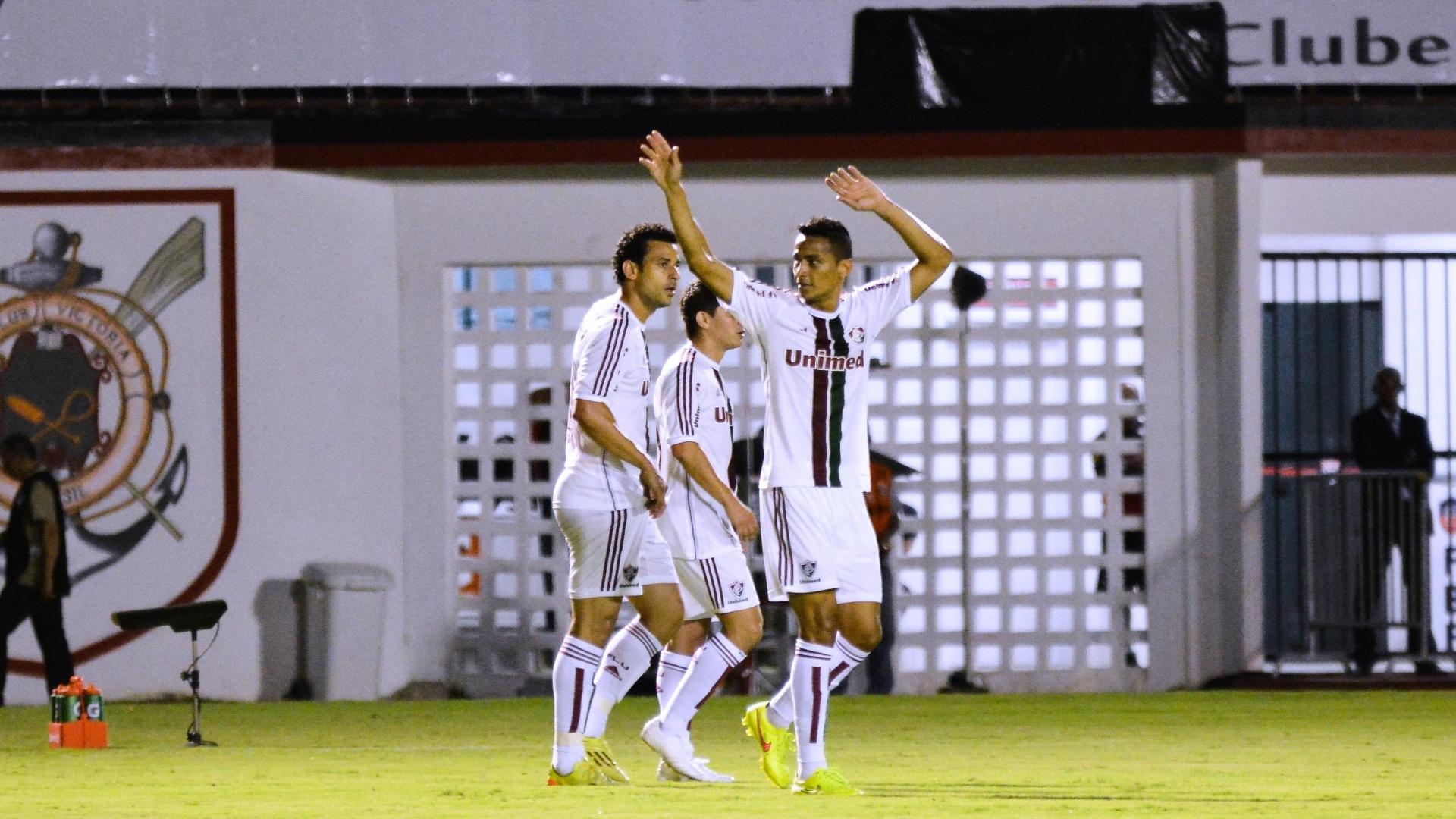 Cícero comemora gol do Fluminense contra o Vitória pelo Brasileirão