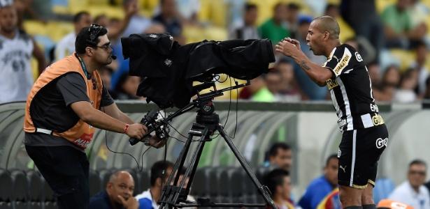 No último Brasileiro, Emerson Sheik protestou contra a CBF e foi parar no STJD
