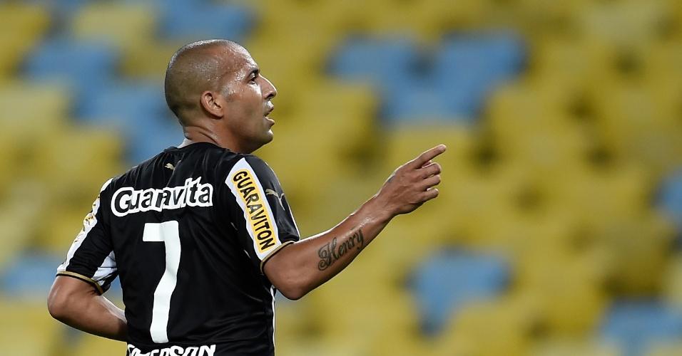 Emerson Sheik aponta para a torcida durante comemoração de gol do Botafogo sobre o Bahia, pelo Brasileirão