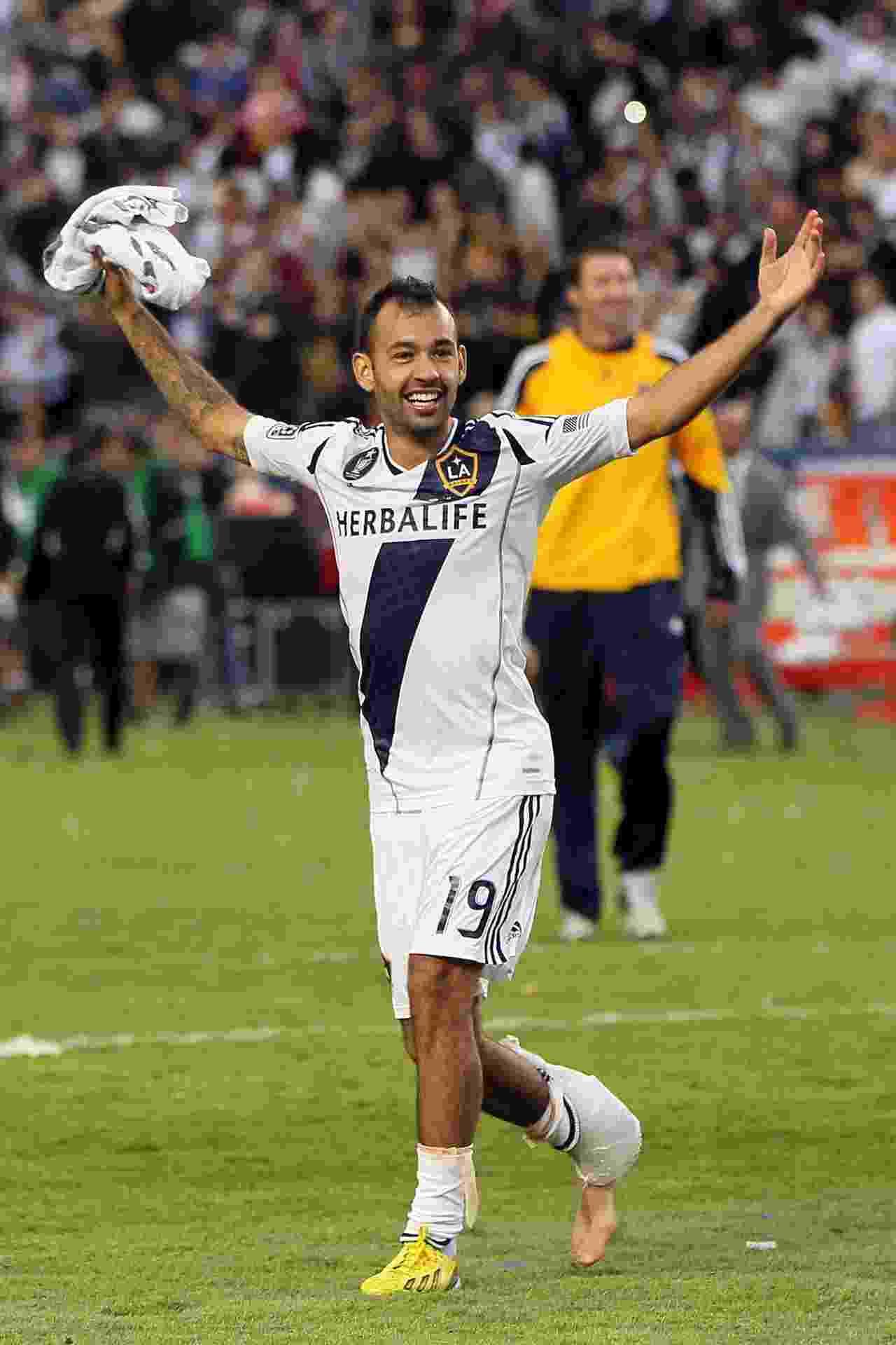 Juninho comemora mais uma conquista pelo LA Galaxy - Victor Decolongon/Getty Images/AFP