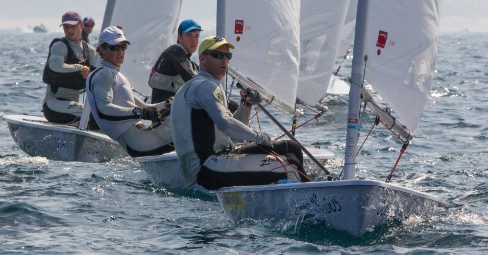 Robert Scheidt lidera a flotilha no Mundial de Santander