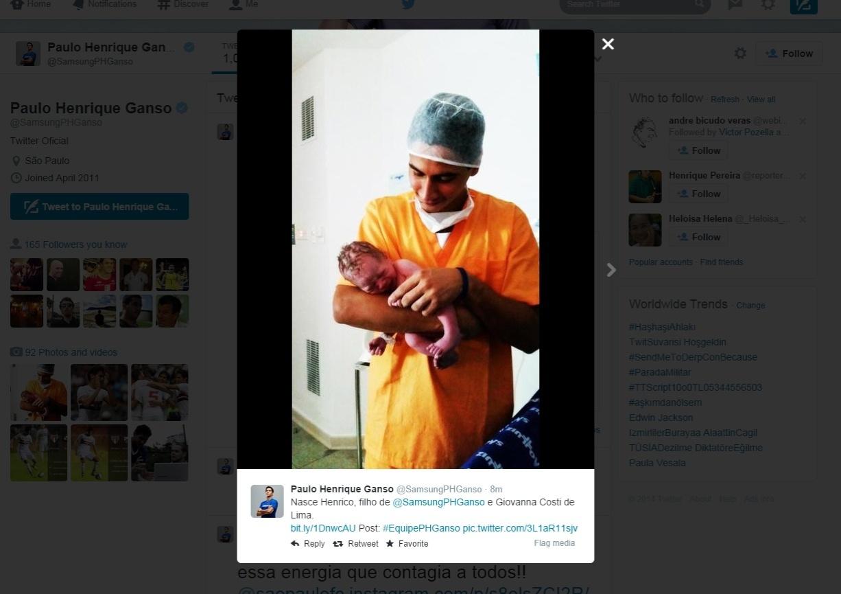 Paulo Henrique Ganso exibe, em seu Twitter, seu segundo filho, Henrico
