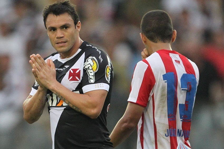 20 set. 2014 - Kleber Gladiador lamenta erro em tentativa do Vasco no ataque, em jogo contra o Náutico