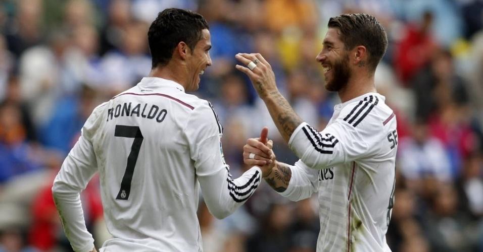 Cristiano espanta boatos de mau relacionamento com Sergio Ramos e comemora um dos três gols ao lado do espanhol
