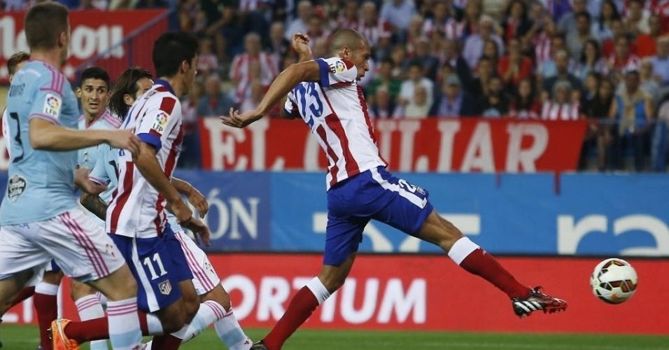 Miranda marca o primeiro gol do Atlético de Madrid em duelo contra o Celta de Vigo