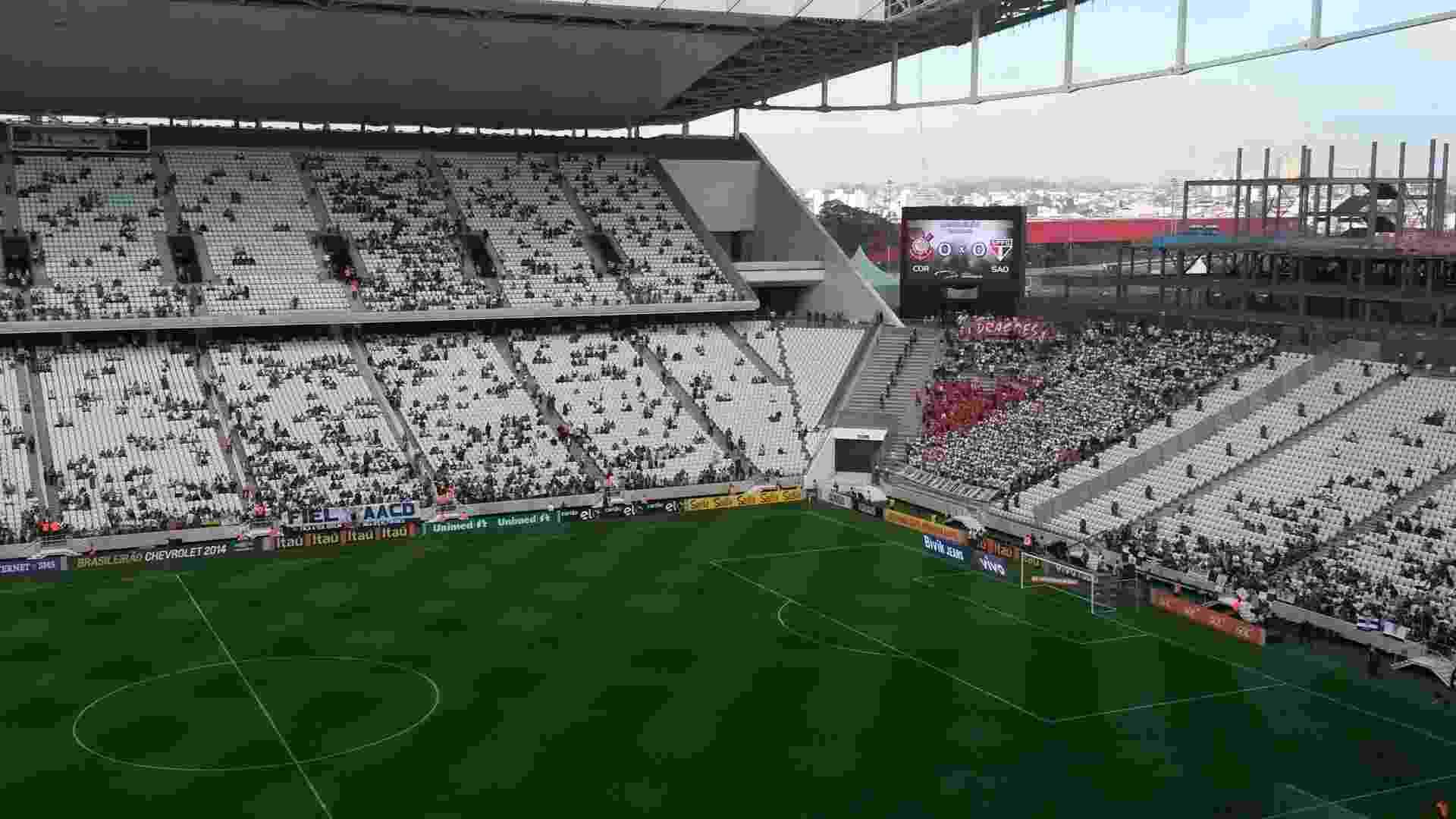 Fotos  Corinthians e São Paulo se enfrentam no Itaquerão - 21 09 ... 919526734ad20