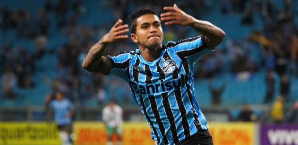57312cef611e3 Corinthians vence concorrência pesada e já conta com Dudu para 2015 ...