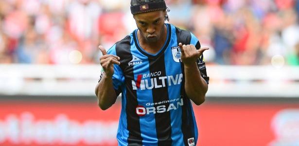 Ronaldinho atuou no Querétaro entre 2014 e 2015. Amistoso será no dia 10 de julho