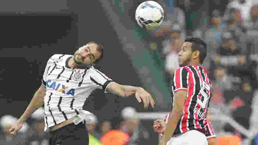 Danilo: títulos com as duas camisas e nove gols no clássico Majestoso - Reinaldo Canato/UOL