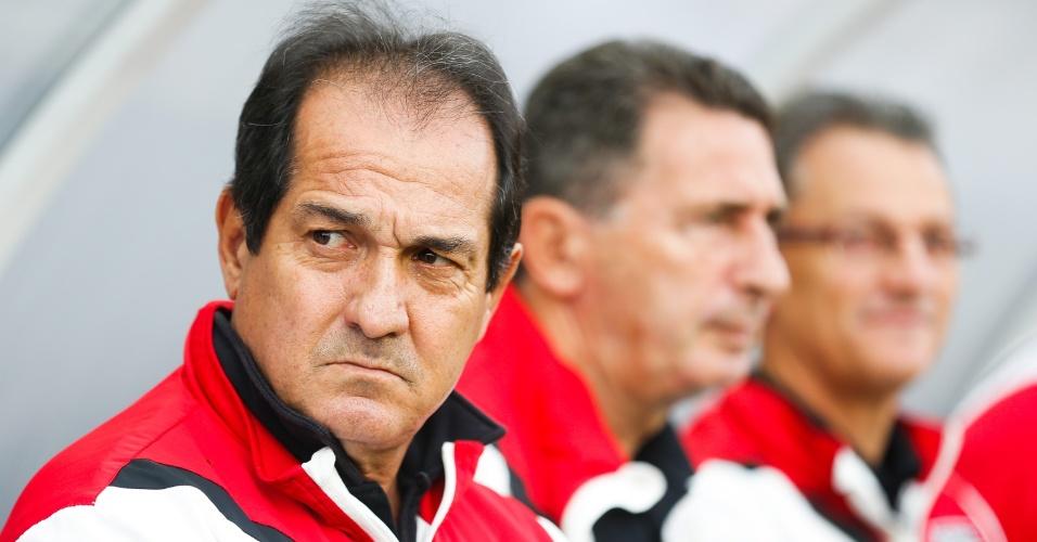 Técnico Muricy Ramalho tem semblante sério no clássico entre Corinthians e São Paulo pelo Brasileirão