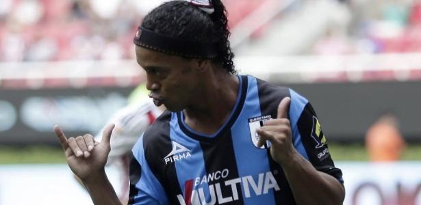 Assis diz não ter bola de cristal para definir futuro de Ronaldinho ... 30d21bcdd17ac