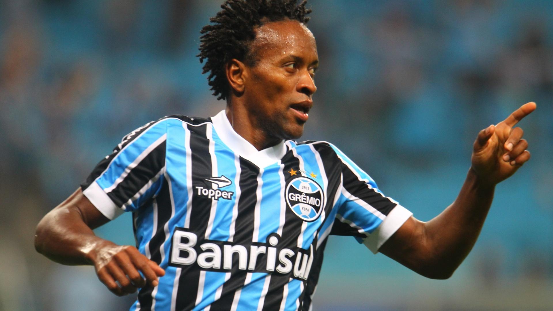 Zé Roberto comemora gol pelo Grêmio e planeja atuar por mais uma temporada
