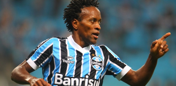 Zé Roberto receberá R$ 40 mil por mês do Grêmio até o ano que vem