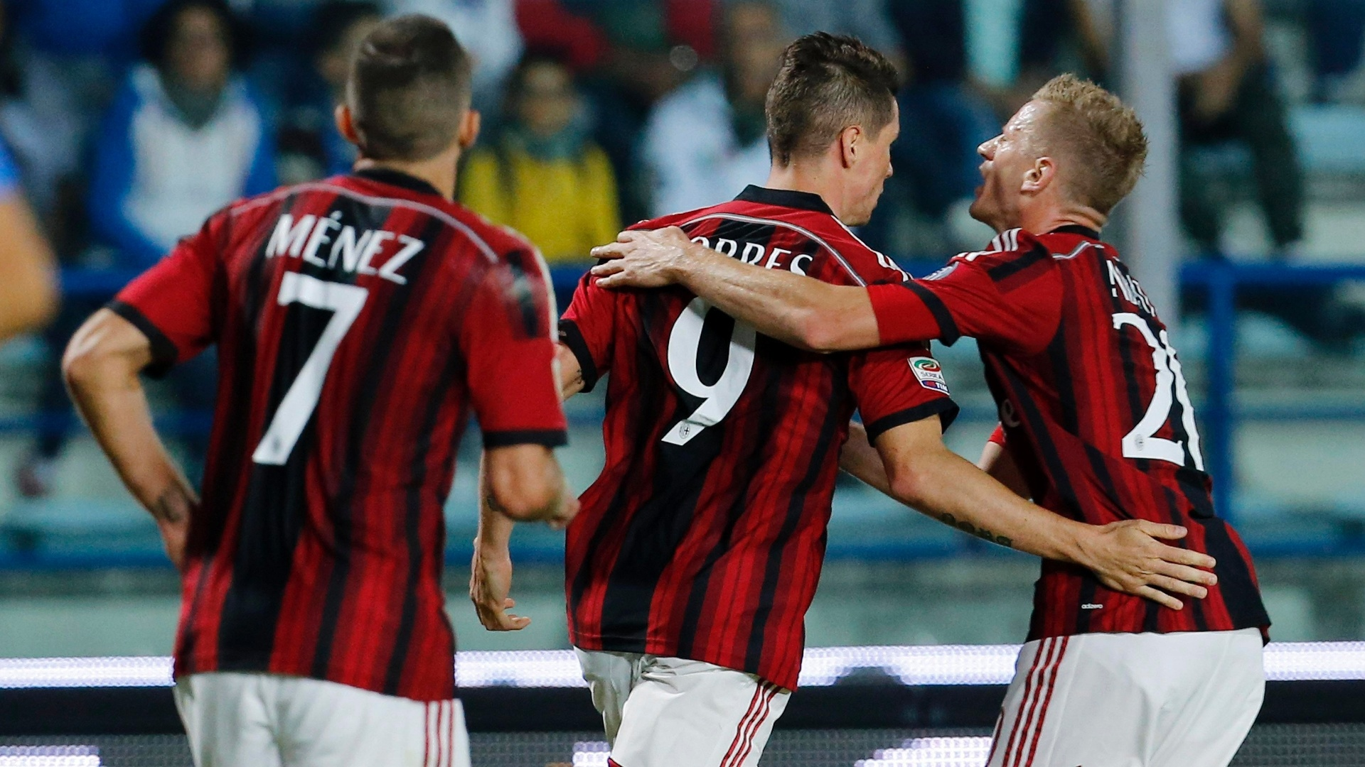 23. set. 2014 - Fernando Torres comemora gol do Milan contra o Empoli, pelo Campeonato Italiano
