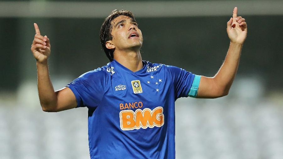 Marcelo Moreno converteu cobrança de pênalti para abrir o placar para o Cruzeiro - Heuler Andrey/Getty Images