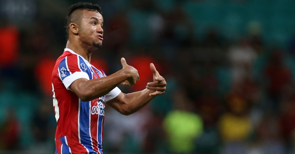Railan comemora gol do Bahia contra o Sport