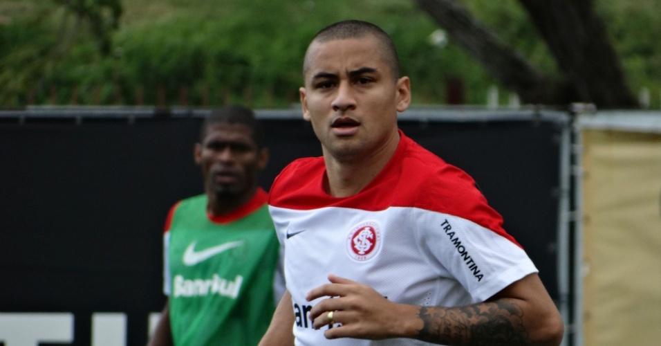 26.set.2014 - Wellington Paulista volta a treinar e deve ser titular do Inter diante do Coritiba