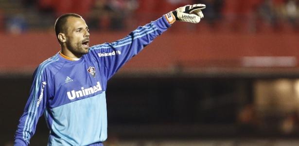 Diego Cavalieri cobra mais atenção do sistema defensivo do Fluminense