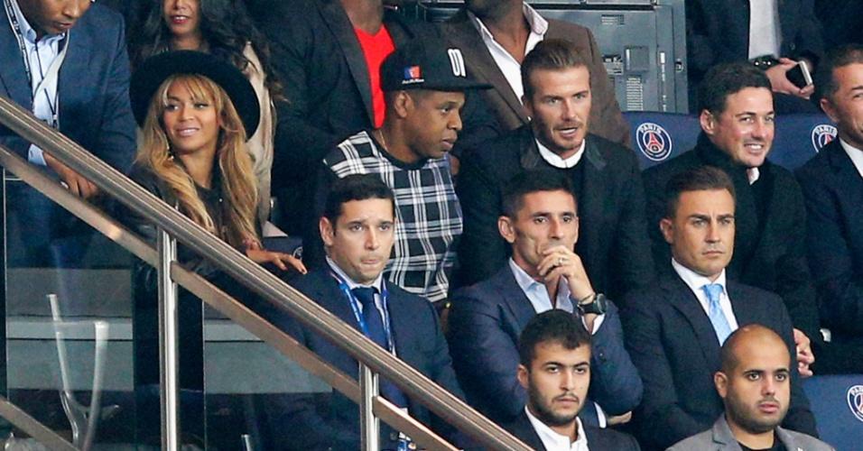 Beyoncé, Jay-Z e David Beckham acompanha jogo do PSG contra o Barcelona
